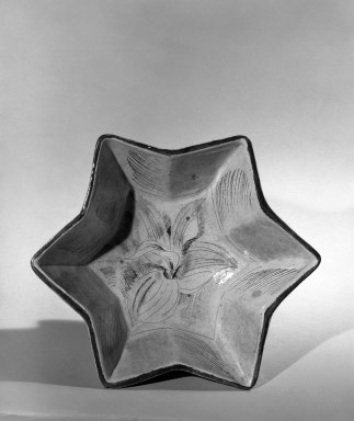 Henry Varnum Poor (American, 1887-1970). <em>Jardiniere</em>, ca. 1927. Glazed terra-cotta, 5 x 10 1/4 in. (12.7 x 26 cm). Brooklyn Museum, H. Randolph Lever Fund, 66.73.10. Creative Commons-BY (Photo: Brooklyn Museum, 66.73.10_acetate_bw.jpg)
