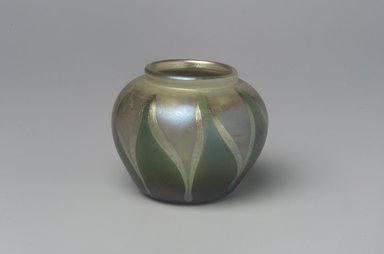 Tiffany Studios (1902-1932). <em>Vase</em>, 1906-1912. Opalescent glass, 1 5/8 x 2 1/8 x 2 1/8 in. (4.1 x 5.4 x 5.4 cm). Brooklyn Museum, Bequest of Laura L. Barnes, 67.120.111. Creative Commons-BY (Photo: Brooklyn Museum, 67.120.111.jpg)