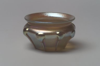 Tiffany Studios (1902-1932). <em>Salt Cellar</em>, ca. 1900-1920. Opalescent glass, 1 3/8 x 2 3/16 x 2 3/16 in. (3.5 x 5.6 x 5.6 cm). Brooklyn Museum, Bequest of Laura L. Barnes, 67.120.84. Creative Commons-BY (Photo: Brooklyn Museum, 67.120.84.jpg)