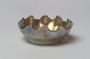 Tiffany Studios (1902-1932). <em>Salt Cellar</em>, ca. 1900-1920. Opalescent glass, 1 1/16 x 2 3/4 x 2 3/4 in. (2.7 x 7 x 7 cm). Brooklyn Museum, Bequest of Laura L. Barnes, 67.120.88. Creative Commons-BY (Photo: Brooklyn Museum, 67.120.88.jpg)