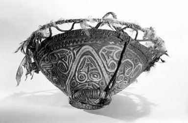 <em>Carved Bowl</em>. Rattan, feathers, pigment, lime, 7 5/16 x 12 13/16 in. (18.5 x 32.5 cm). Brooklyn Museum, Frederick Loeser Fund, 67.139.1. Creative Commons-BY (Photo: Brooklyn Museum, 67.139.1_bw.jpg)
