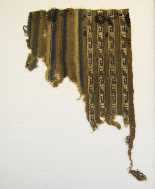 Chimú (Attributed by Nobuko Kajitani, 1993). <em>Textile Fragment, Unascertainable or Mantle?, Fragment</em>, 1000-1532. Cotton, 5 1/8 x 8 1/4 in. (13 x 21 cm). Brooklyn Museum, Gift of Adelaide Goan, 67.159.39. Creative Commons-BY (Photo: Brooklyn Museum, 67.159.39_front_PS5.jpg)