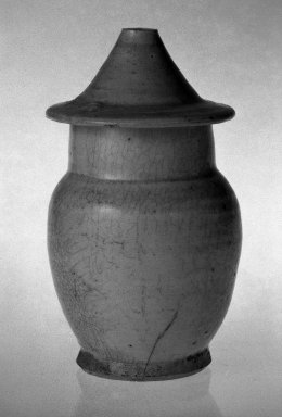 <em>Jar with Cover</em>, 1127-1368. Porcelain with qingbai glaze, 5 9/16 x 3 1/4 in. (14.2 x 8.2 cm). Brooklyn Museum, Gift of Paul E. Manheim, 67.199.25. Creative Commons-BY (Photo: Brooklyn Museum, 67.199.25_bw.jpg)