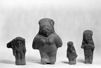 Bahía. <em>Bent-Kneed Figure</em>. Clay Brooklyn Museum, Gift of Mr. and Mrs. Marvin Cassell, 67.206.9. Creative Commons-BY (Photo: , 67.206.13_67.206.3_67.206.7_67.206.8_67.206.9_bw.jpg)