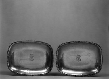 John & Peter Targee (active ca. 1798-1811). <em>Entree Dish, One of Pair</em>, ca.1810. Silver, 1 5/8 x 12 1/4 x 9 1/4 in. (4.1 x 31.1 x 23.5 cm). Brooklyn Museum, H. Randolph Lever Fund, 67.74b. Creative Commons-BY (Photo: , 67.74a-b_bw.jpg)