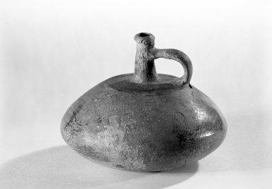 Chorrera. <em>Jar</em>. Ceramic Brooklyn Museum, Gift of the Flamencko Charitable Foundation, 67.85.11. Creative Commons-BY (Photo: Brooklyn Museum, 67.85.11_bw.jpg)