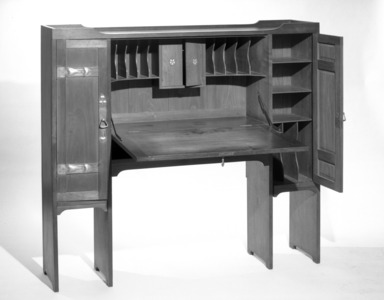 Gustav Stickley (1857-1942). <em>Desk</em>, ca.1904. Walnut, inlaid copper and pewter, 49 x 54 1/2 x 12 in. (124.5 x 138.4 x 30.5 cm). Brooklyn Museum, Gift of The Roebling Society, 68.183.1. Creative Commons-BY (Photo: Brooklyn Museum, 68.183.1_bw.jpg)