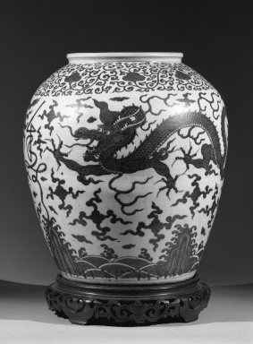 <em>Large Jar</em>, 1573-1619. Stoneware with underglaze, H: 21 1/8 (53.7 cm); Diam (at rim) 10 3/4 in. (27.3 cm). Brooklyn Museum, Gift of Herman H. Kahn, 68.204.2. Creative Commons-BY (Photo: Brooklyn Museum, 68.204.2_acetate_bw.jpg)