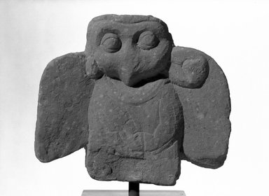 <em>Fragment of a Bird</em>, ca. 1st-3rd century. Carved sandstone, 5 7/8 x 6 3/4 x 1 1/2 in. (14.9 x 17.1 x 3.8 cm). Brooklyn Museum, Gift of Mr. and Mrs. Paul E. Manheim, 68.206.2. Creative Commons-BY (Photo: Brooklyn Museum, 68.206.2_acetate_bw.jpg)