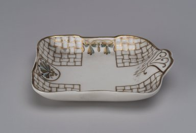 Union Porcelain Works (1863-ca. 1922). <em>Nut Dish</em>, ca. 1880. Porcelain, 1 1/8 x 4 7/8 x 4 in. (2.9 x 12.4 x 10.2 cm). Brooklyn Museum, Gift of Franklin Chace, 68.87.13. Creative Commons-BY (Photo: Brooklyn Museum, 68.87.13.jpg)