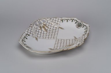 Union Porcelain Works (1863-ca. 1922). <em>Bread Dish</em>, ca. 1880. Porcelain, 1 3/4 x 11 3/8 x 9 3/4 in. (4.4 x 28.9 x 24.8 cm). Brooklyn Museum, Gift of Franklin Chace, 68.87.3. Creative Commons-BY (Photo: Brooklyn Museum, 68.87.3.jpg)