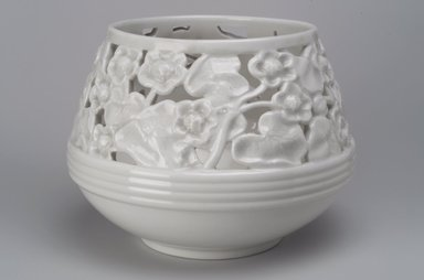Union Porcelain Works (1863-ca. 1922). <em>Plant Container or Cache Pot</em>, ca. 1900. Porcelain, 6 5/8 x 8 7/8 x 8 7/8 in. (16.8 x 22.5 x 22.5 cm). Brooklyn Museum, Gift of Franklin Chace, 68.87.46. Creative Commons-BY (Photo: Brooklyn Museum, 68.87.46.jpg)