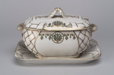Union Porcelain Works (1863-ca. 1922). <em>Gravy Bowl with Attached Saucer and Cover</em>, ca. 1880. Porcelain, 4 1/2 x 7 3/8 x 4 7/8 in. (11.4 x 18.7 x 12.4 cm). Brooklyn Museum, Gift of Franklin Chace, 68.87.7a-b. Creative Commons-BY (Photo: Brooklyn Museum, 68.87.7a-b.jpg)