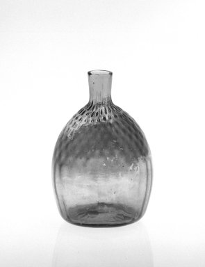 American. <em>Half-Pint Flask</em>, ca. 1835. Glass, 5 3/8 x 3 1/2 in. (13.7 x 8.9 cm). Brooklyn Museum, Gift of Mrs. Samuel Schwartz, 70.137.38. Creative Commons-BY (Photo: Brooklyn Museum, 70.137.38_bw.jpg)