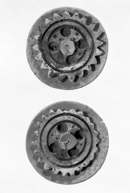 Maya. <em>Pair of Ear Plugs, Shell with Red Cinnabar</em>. Brooklyn Museum, Gift of Jerome Furman, 70.151.9a-d. Creative Commons-BY (Photo: Brooklyn Museum, 70.151.9a-d_bw.jpg)