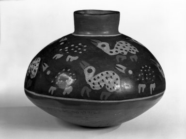 Nazca. <em>Vessel</em>. Ceramic, Height: 4 1/2 in. (11.5 cm). Brooklyn Museum, Gift of Ernest Erickson, 70.177.25. Creative Commons-BY (Photo: Brooklyn Museum, 70.177.25_view1_bw.jpg)