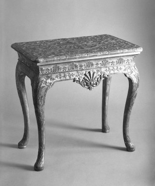 <em>Pier Table</em>, ca. 1710. Walnut, beech, and deal, 28 1/2 x 30 1/4 x 19 3/4 in. (72.4 x 76.8 x 50.2 cm). Brooklyn Museum, Gift of Charles C. Paterson, 70.22. Creative Commons-BY (Photo: Brooklyn Museum, 70.22_bw.jpg)