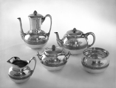 Tiffany & Company (American, founded 1853). <em>Coffee Pot</em>, ca. 1868. Silver, 9 in. (22.9 cm). Brooklyn Museum, Gift of Eleanor Keveney in memory of Clarence A. Pratt, 71.144.1. Creative Commons-BY (Photo: , 71.144.1-.5_bw.jpg)