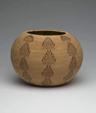 Louisa Keyser (Dat So La Lee) (Washo, 1850-1925). <em>Basketry Vessel</em>, 1900. Willow, bracken fern, red bud, 8 x 10 1/2 x 10 1/2 in. (20.3 x 26.7 x 26.7 cm). Brooklyn Museum, By exchange, 72.5.2. Creative Commons-BY (Photo: Brooklyn Museum, 72.5.2_PS2.jpg)