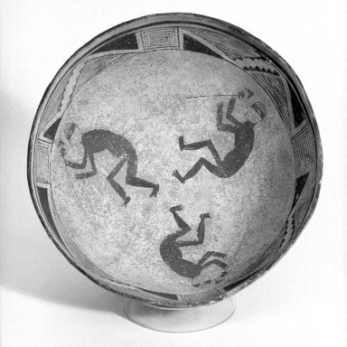 Mimbres. <em>Bowl</em>, 950-1150 C.E. Ceramic, slip, pigment, 4 x 9 3/4 x 9 3/4 in. (10.2 x 24.8 x 24.8 cm). Brooklyn Museum, By exchange, 73.35.1. Creative Commons-BY (Photo: Brooklyn Museum, 73.35.1_bw.jpg)