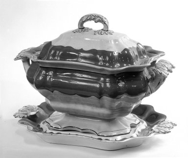 <em>Tureen with Cover and Stand (Tray)</em>, ca. 1845. Cream ware, tray: 14 1/2 x 26 13/16 in. (36.8 x 68.1 cm). Brooklyn Museum, Gift of Mrs. Frederick Lohman, Jr., 73.82a-c. Creative Commons-BY (Photo: Brooklyn Museum, 73.82a-c_bw.jpg)