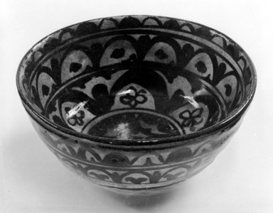 American. <em>Bowl</em>, ca. 1924. Stoneware, 2 3/4 x 6 1/4 x 6 1/4 in. (7 x 15.9 x 15.9 cm). Brooklyn Museum, Gift of Mr. and Mrs. Tessim Zorach, 74.1.2. Creative Commons-BY (Photo: Brooklyn Museum, 74.1.2_bw.jpg)