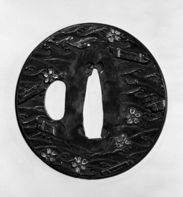<em>Tsuba (Sword Guard)</em>, late 16th-early 17th century. Yamagane, copper, 2 5/16 in. (5.9 cm). Brooklyn Museum, Gift of Leighton R. Longhi, 74.202.16. Creative Commons-BY (Photo: Brooklyn Museum, 74.202.16_front_bw.jpg)