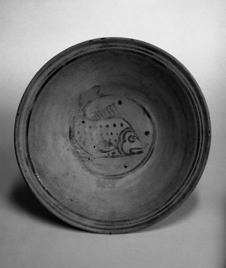 <em>Bowl</em>, 15th century. Sukhothai slipware, Diam: 9 3/4 in. (24.8 cm). Brooklyn Museum, By exchange, 74.59.2. Creative Commons-BY (Photo: Brooklyn Museum, 74.59.2_bw.jpg)
