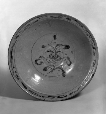 <em>Shallow Bowl</em>, 15th century. Porcelain, iron underglaze, 2 1/4 x 11 in. (5.7 x 27.9 cm). Brooklyn Museum, Designated Purchase Fund, 75.11.3. Creative Commons-BY (Photo: Brooklyn Museum, 75.11.3_bw.jpg)