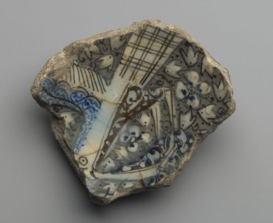 <em>Pottery Fragment</em>, 14th century. Ceramic, slip, glaze, 1 7/16 x 4 1/8 x 4 5/16 in. (3.7 x 10.5 x 11 cm). Brooklyn Museum, Gift of Mr. and Mrs. Charles K. Wilkinson, 75.54.3. Creative Commons-BY (Photo: Brooklyn Museum, 75.54.3_PS6.jpg)