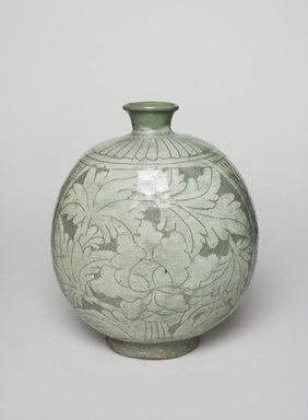 <em>Bottle</em>, mid-to late 15th century. Buncheong ware, stoneware with white-slip decoration, 8 11/16 x 7 in. (22 x 17.8 cm). Brooklyn Museum, Ella C. Woodward Memorial Fund, 75.61. Creative Commons-BY (Photo: , 75.61_front_PS11.jpg)