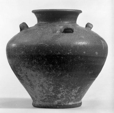 <em>Jar</em>, 11th-12th century. Baphoun ware, stoneware, 7 1/4 x 8 in. (18.4 x 20.3 cm). Brooklyn Museum, Designated Purchase Fund, 75.62.4. Creative Commons-BY (Photo: Brooklyn Museum, 75.62.4_bw.jpg)