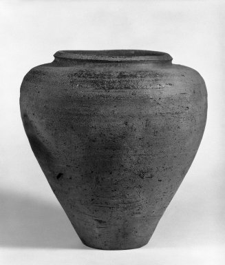 <em>Neolithic Jar</em>, 2nd-4th century. Earthenware, 9 1/2 in. (24.1 cm). Brooklyn Museum, Designated Purchase Fund, 75.65.7. Creative Commons-BY (Photo: Brooklyn Museum, 75.65.7_bw.jpg)