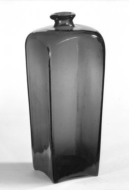 <em>Bottle</em>, ca. 1800. Blown glass, 9 9/16 in. (24.3 cm). Brooklyn Museum, Purchased with funds given by Eric M. Wunsch, 76.102.4. Creative Commons-BY (Photo: Brooklyn Museum, 76.102.4_bw.jpg)