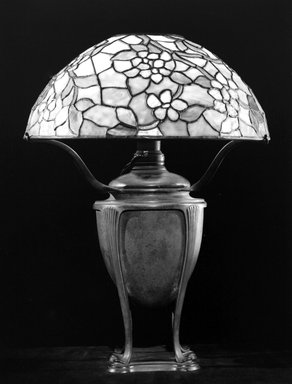 Tiffany Studios (1902-1932). <em>Lamp</em>, ca. 1905. Bronze, stained glass, Overall height, with shade: 21 5/8 in. (54.9 cm). Brooklyn Museum, Gift of Mr. and Mrs. Hollis K. Thayer, 76.142. Creative Commons-BY (Photo: Brooklyn Museum, 76.142_bw.jpg)
