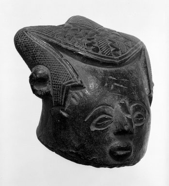 Kuba. <em>Paste block (bongotol): human head</em>, late 19th or early 20th century. Tukula, height at sides: 4 in. (10.2 cm). Brooklyn Museum, Carll H. de Silver Fund, 76.19. Creative Commons-BY (Photo: Brooklyn Museum, 76.19_bw.jpg)