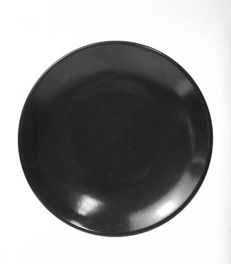 Russel Wright (American, 1904-1976). <em>Plate</em>, ca. 1950. Melamine (plastic), 7 5/8 in. (19.4 cm). Brooklyn Museum, Gift of Russel Wright, 76.99.15. Creative Commons-BY (Photo: Brooklyn Museum, 76.99.15_bw.jpg)