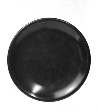 Russel Wright (American, 1904-1976). <em>Plate</em>, ca. 1950. Melamine (plastic), 6 in. (15.2 cm). Brooklyn Museum, Gift of Russel Wright, 76.99.16. Creative Commons-BY (Photo: Brooklyn Museum, 76.99.16_bw.jpg)