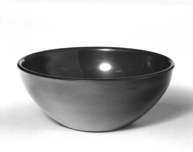 Russel Wright (American, 1904-1976). <em>Bowl</em>, ca. 1950. Melamine (plastic), 1 7/8 x 2 x 4 1/2 in. (4.8 x 5.1 x 11.4 cm). Brooklyn Museum, Gift of Russel Wright, 76.99.17. Creative Commons-BY (Photo: Brooklyn Museum, 76.99.17_bw.jpg)
