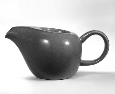 Russel Wright (American, 1904-1976). <em>Teapot</em>, 1937 (designed); 1938 (manufactured). Glazed earthenware, 4 in. (10.2 cm). Brooklyn Museum, Gift of Russel Wright, 76.99.19. Creative Commons-BY (Photo: Brooklyn Museum, 76.99.19_bw.jpg)