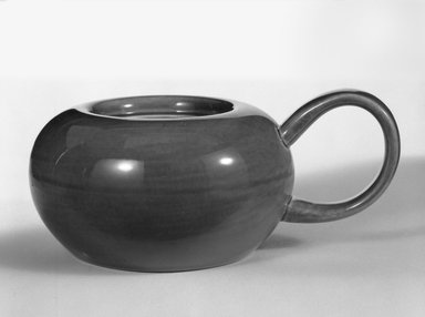 Russel Wright (American, 1904-1976). <em>Sugar Bowl</em>, designed 1937-ca. 1938. Glazed earthenware, 2 3/4 in. (7 cm). Brooklyn Museum, Gift of Russel Wright, 76.99.25. Creative Commons-BY (Photo: Brooklyn Museum, 76.99.25_bw.jpg)