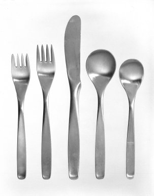 Russel Wright (American, 1904-1976). <em>Dinner Fork, American Modern Line</em>, ca. 1952. Stainless steel, 7 1/8 in. (18.1 cm). Brooklyn Museum, Gift of Russel Wright, 76.99.4. Creative Commons-BY (Photo: , 76.99.3-.7_bw.jpg)