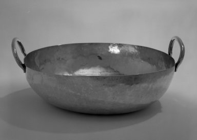 <em>Bowl</em>, 20th century. Silver, 3 1/2 x 5 x 10 7/8 in. (8.9 x 12.7 x 27.6 cm). Brooklyn Museum, Gift of Mrs. Harold J. Roig in memory of Harold J. Roig, 79.123.2. Creative Commons-BY (Photo: Brooklyn Museum, 79.123.2_bw.jpg)