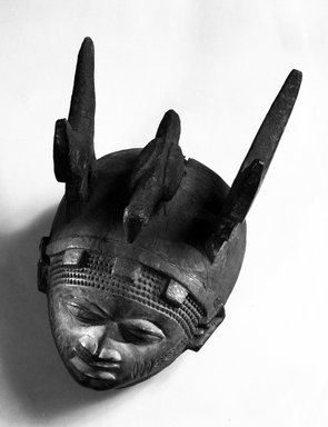 Yorùbá. <em>Headdress (Ere Gelede)</em>, late 19th or early 20th century. Wood, pigment, h: 9 1/4 in. (23.5 cm). Brooklyn Museum, Gift of Dr. and Mrs. Abbott A. Lippman, 79.161.1. Creative Commons-BY (Photo: Brooklyn Museum, 79.161.1_bw.jpg)