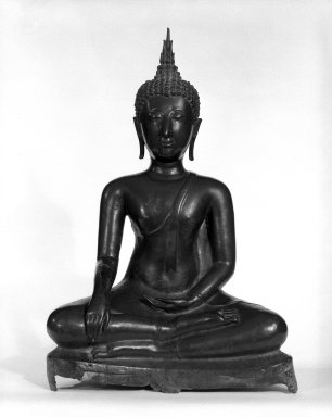 <em>Seated Buddha</em>, 14th-15th century. Bronze with traces of pigment, height: 15 1/2 in. (39.4 cm). Brooklyn Museum, Anonymous gift, 79.185. Creative Commons-BY (Photo: Brooklyn Museum, 79.185_bw.jpg)