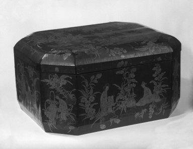 <em>Export Box</em>, mid-19th century. Black lacquer on wood, brass mounts, painted, 7 3/4 x 12 1/4 x 15 in. (19.7 x 31.1 x 38.1 cm). Brooklyn Museum, Gift of Stanley J. Love, 79.272.3. Creative Commons-BY (Photo: Brooklyn Museum, 79.272.3_bw.jpg)