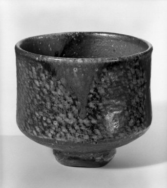 Shimaoka Tatsuzo (Japanese, 1919-2007). <em>Tea Bowl</em>, ca. 1970. Shigaraki, 3 7/8 x 4 3/8 in. (9.8 x 11.1 cm). Brooklyn Museum, Gift of Sidney B. Cardozo, Jr., 80.175.2. Creative Commons-BY (Photo: Brooklyn Museum, 80.175.2_bw.jpg)