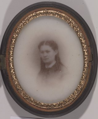 Unknown. <em>[Untitled] (Portrait of a Young Woman)</em>, ca. 1860's. Ambrotype on milk glass Brooklyn Museum, Gift of Mrs. Harold J. Roig, 80.231.10 (Photo: Brooklyn Museum, 80.231.10.jpg)