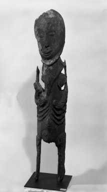 Abelam. <em>Ceremonial House Figure</em>. Wood, 51 in. (129.5 cm). Brooklyn Museum, Gift of Mrs. Melville W. Hall, 81.164.3. Creative Commons-BY (Photo: Brooklyn Museum, 81.164.3_bw.jpg)