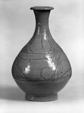 <em>Bottle</em>, last half of 15th-16th century. Buncheong ware, stoneware with underglaze white slip decoration, Height: 9 5/16 in. (23.7 cm). Brooklyn Museum, Gift of Dr. Kenneth Rosenbaum, 81.197.4. Creative Commons-BY (Photo: Brooklyn Museum, 81.197.4_bw.jpg)